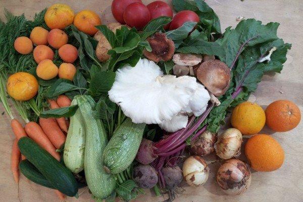 Καλάθι βδομάδας με φρούτα και λαχανικά εποχής & μανιτάρια